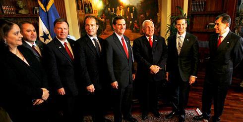 casa-presidencial_-senadores-republicanos-llegan-a-honduras-para-reunirse-con-presidente-micheletti_noticia_encabezado